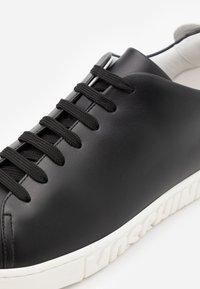 MOSCHINO - Trainers - black/white - 5