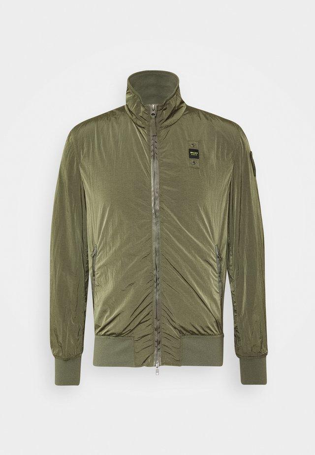 GIUBBINI CORTI SFODERATO - Summer jacket - verde pigna