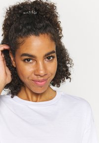 Cotton On Body - RELAXED ACTIVE - T-shirt z nadrukiem - white - 3