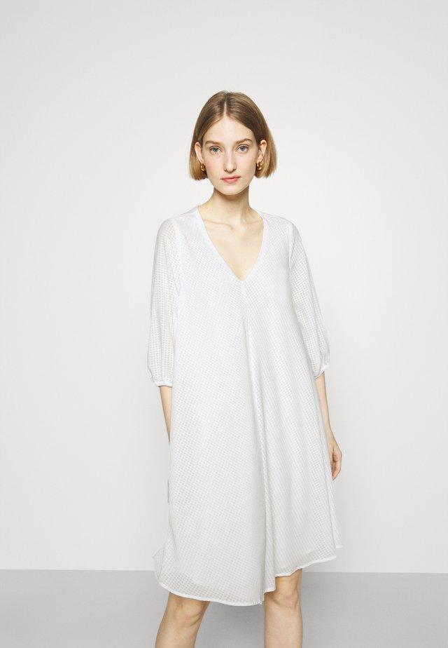 KALATEA ALLURE DRESS - Day dress - snow white