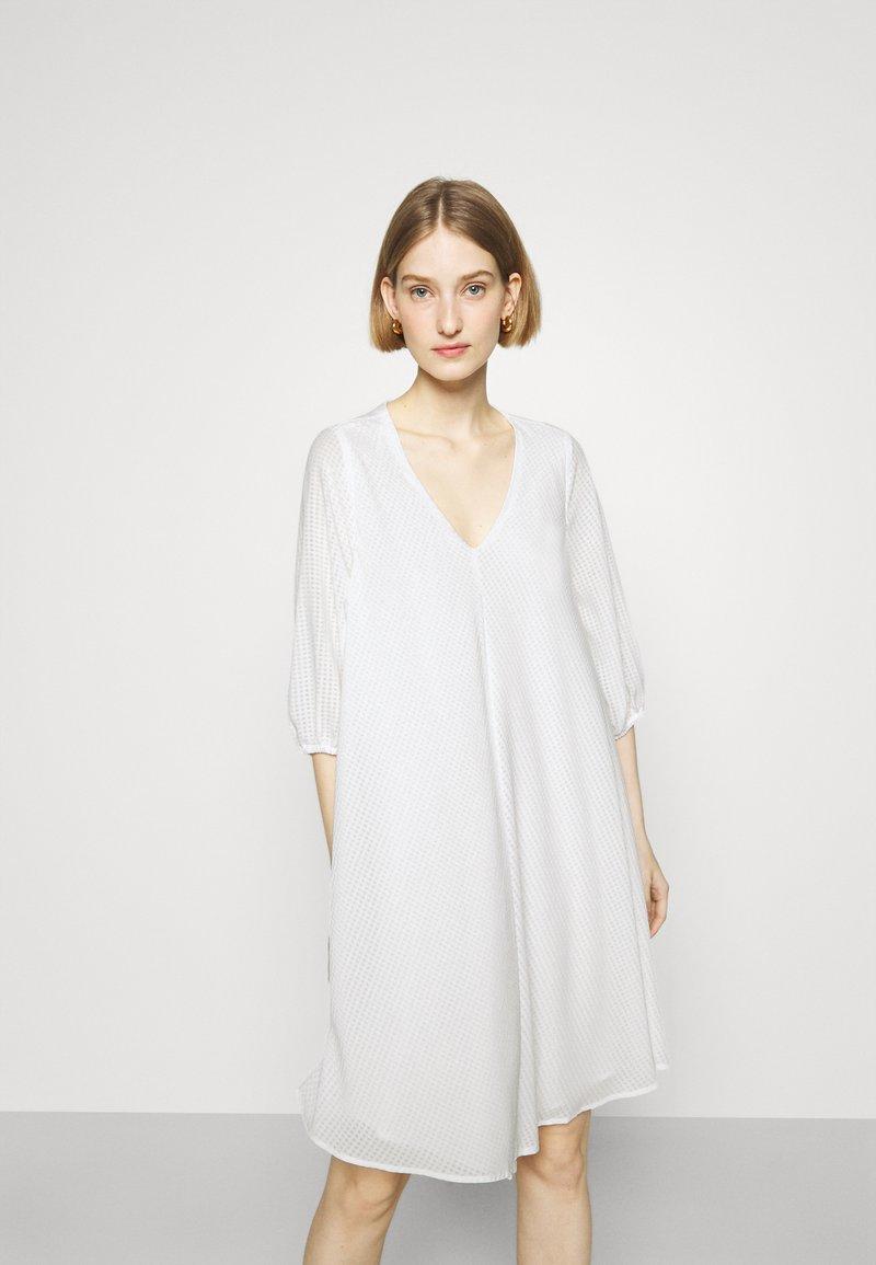 Bruuns Bazaar - KALATEA ALLURE DRESS - Day dress - snow white