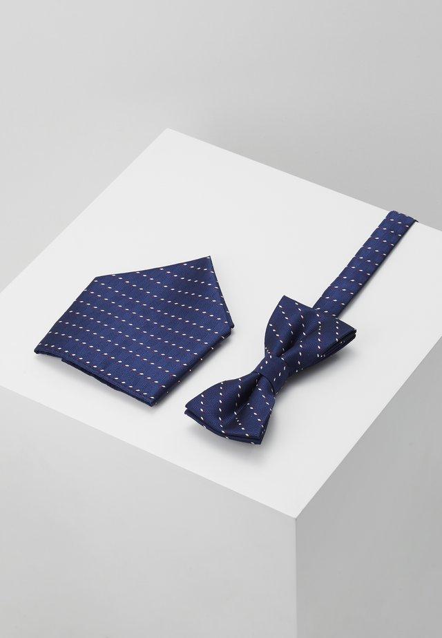 ONSTOBIAS BOW TIE BOX HANKERCHIE SET - Poszetka - dress blues