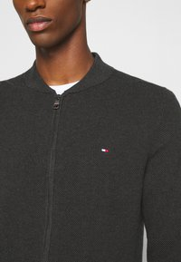 Tommy Hilfiger - RICECORN BASEBALL ZIP THROUGH - Kofta - grey