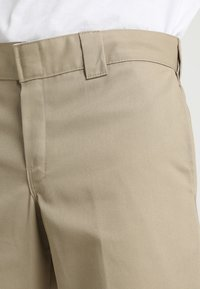 Dickies - 873 SLIM STRAIGHT WORK PANT - Pantalones - khaki
