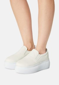 Nly by Nelly - PLATFORM - Zapatillas - white - 0