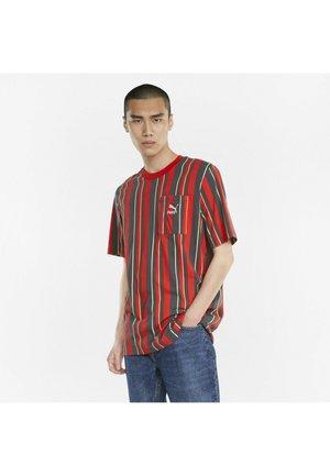 T-shirt con stampa - urban red-aop