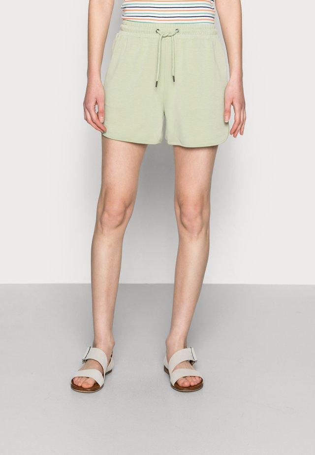 TERISA MERLA - Shorts - reseda