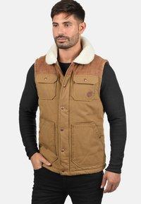 Solid - FERDI - Waistcoat - brown - 0