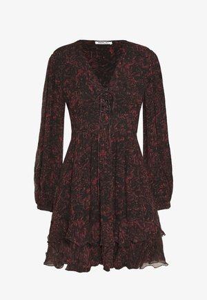 DRESSES - Freizeitkleid - red/black