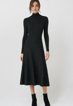 LOVELAND  - Jumper dress - grau