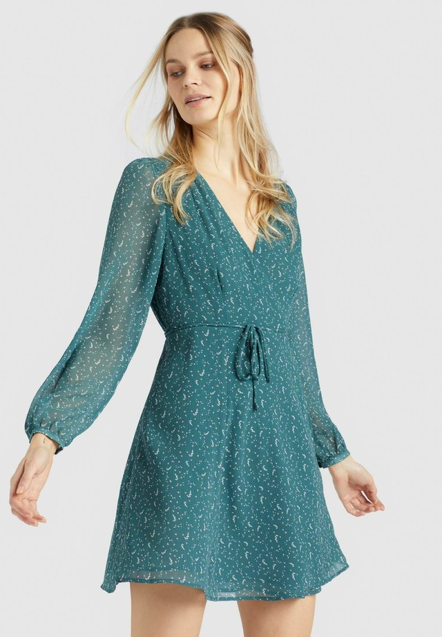 MARGOLA - Robe d'été - grün