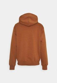 Carhartt WIP - HOODED - Sweatshirt - rum/black - 1
