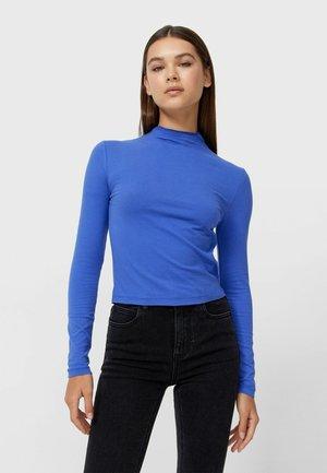 WEICHER MIT ROLLKRAGEN - Long sleeved top - blue