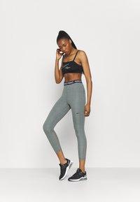 Nike Performance - 365 7/8 HI RISE - Punčochy - smoke grey heather/black - 1
