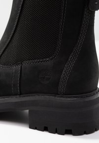 Timberland - COURMAYEUR VALLEY CHELSEA - Classic ankle boots - black - 2