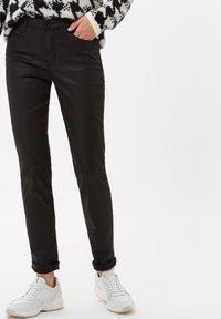 BRAX - STYLE SHAKIRA - Jeans Skinny Fit - clean black - 0