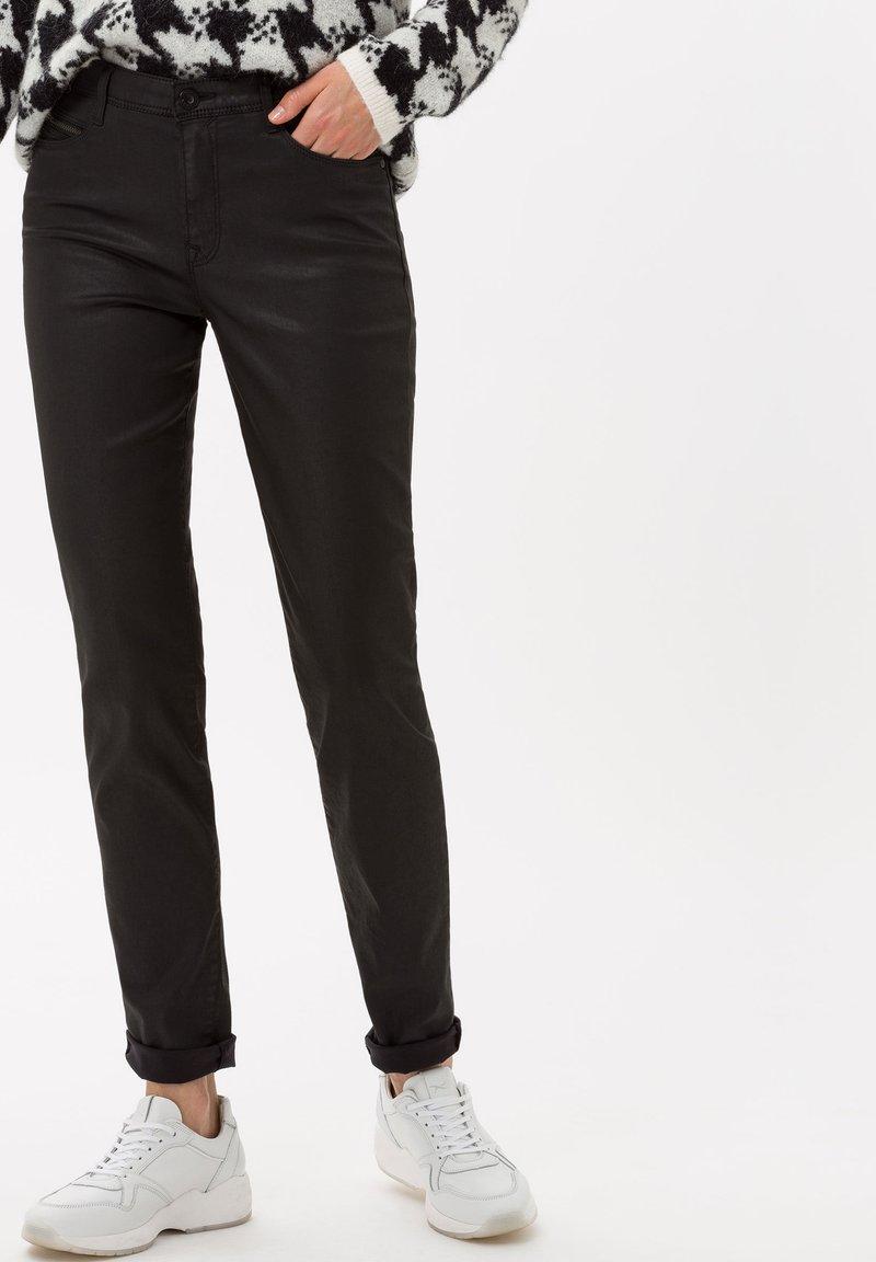 BRAX - STYLE SHAKIRA - Jeans Skinny Fit - clean black