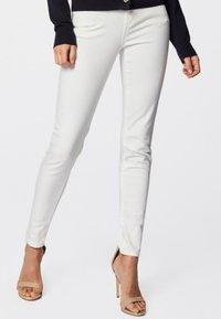 Morgan - PETRA - Slim fit jeans - off-white - 0