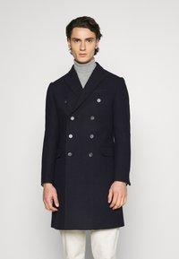Isaac Dewhirst - PEAK COAT - Classic coat - dark blue - 0
