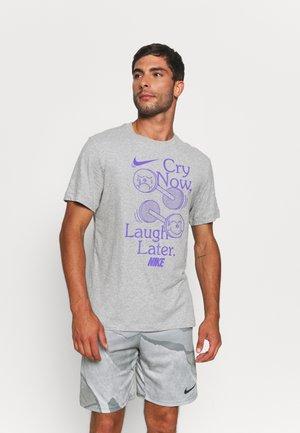 TEE HUMOR - T-shirt con stampa - grey