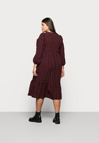 New Look Curves - CHECK SEERSUCKER SMOCK - Day dress - red - 2