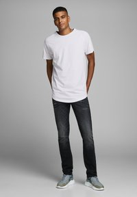 Jack & Jones - JJECURVED TEE O NECK - Camiseta básica - white - 1