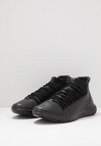ECCO - ST.1 LITE - Sneakersy wysokie - black - 2