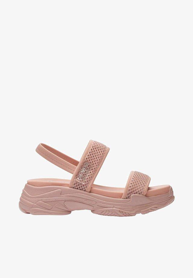 Sandały na platformie - samurai