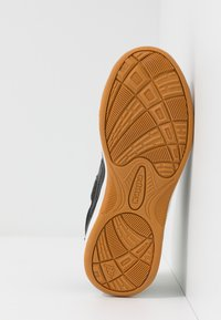 Kappa - FURBO UNISEX - Sports shoes - black/yellow - 5