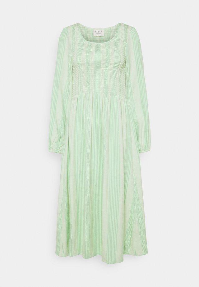 ALISHA LONG DRESS - Korte jurk - quiet green