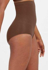 Spanx - HIGHER POWER - Shapewear - chestnut brown - 2