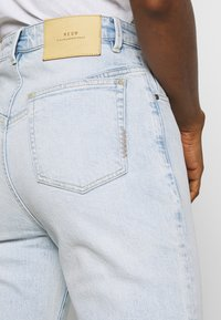 Neuw - LOLA MOM - Relaxed fit jeans - atmosphere - 3
