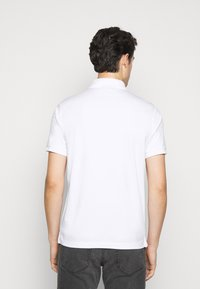 Michael Kors - LOGO ZIP - Polo shirt - white - 2