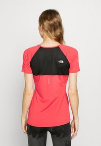 The North Face - AMBITION  - Print T-shirt - cayenne red - 2