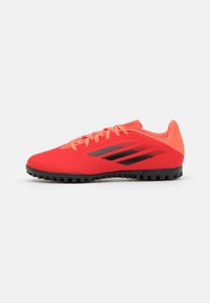 X SPEEDFLOW.4 TF - Scarpe da calcetto con tacchetti - red/core black/solar red