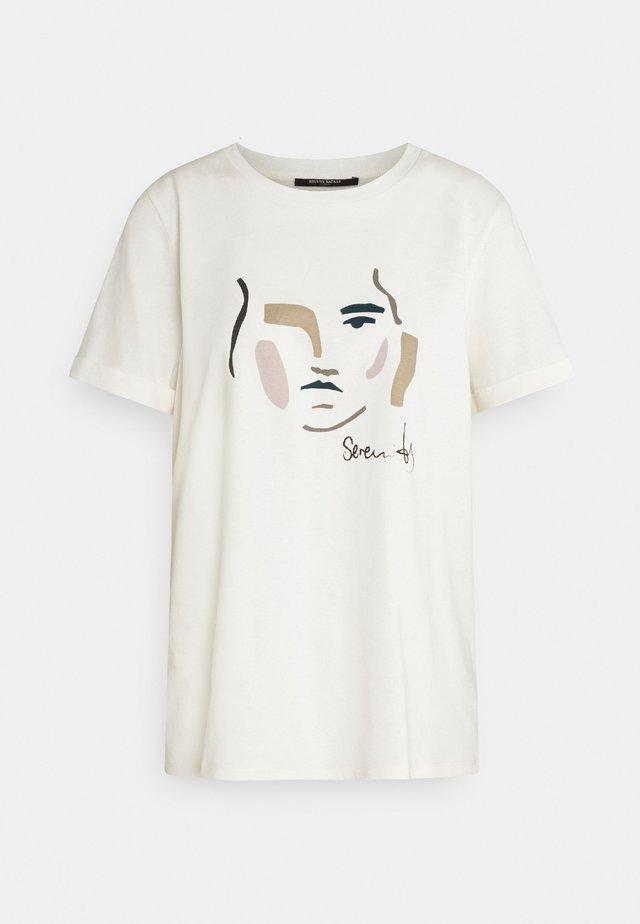 CARLA FACE TEE - Print T-shirt - snow white