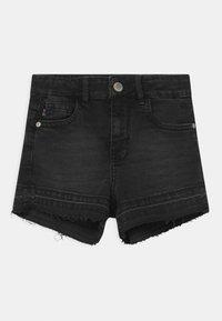 Cars Jeans - HAWA  - Džínové kraťasy - black denim - 0