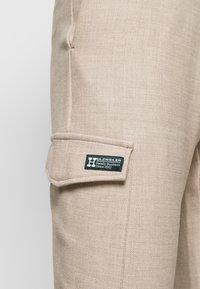 Holzweiler - HAROLD TROUSER  - Cargo trousers - sand - 3