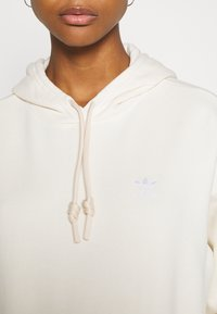 adidas Originals - TRFEOIL HOODIE - Sweatshirt - off-white - 4