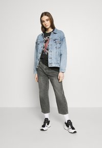 Levi's® - DAD TRUCKER - Giacca di jeans - old story - 1