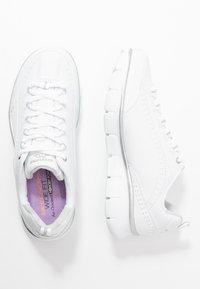 Skechers Wide Fit - SYNERGY - Zapatillas - white - 3