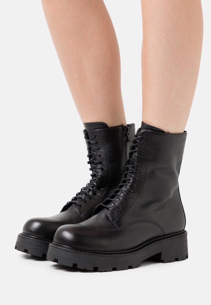 Vagabond - COSMO 2.0 - Kotníkové boty na platformě - black