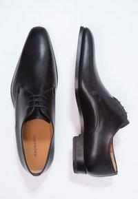 Magnanni - Elegantní šněrovací boty - black - 1