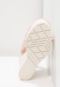 Calvin Klein Jeans - LACEY - Sandały na obcasie - dusk - 6