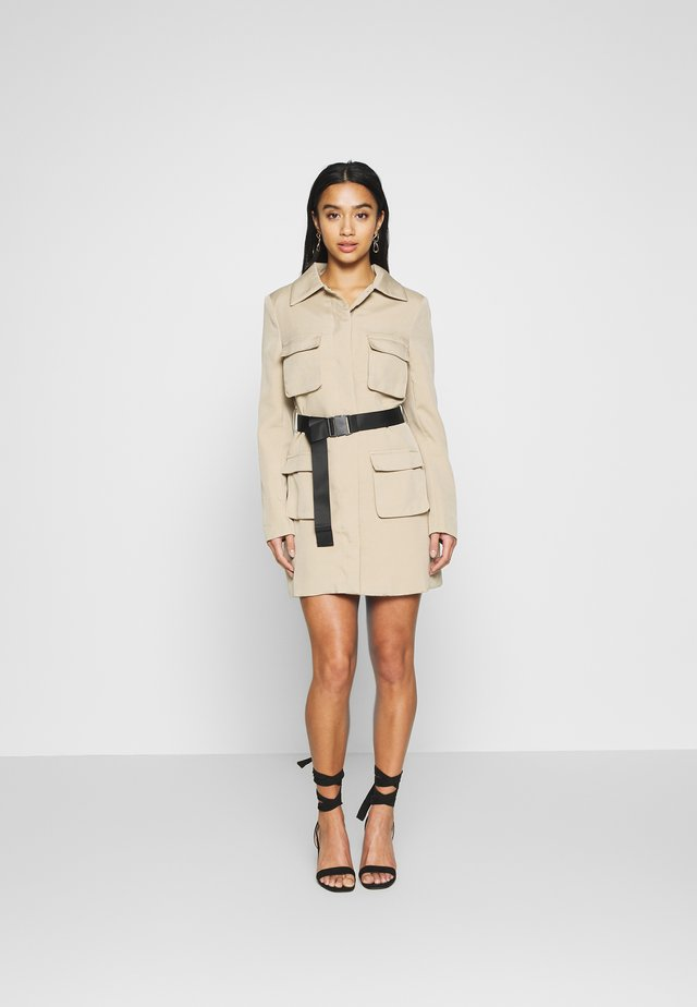 UTILITY BELTED LONG SLEEVED MINI DRESS - Shirt dress - sand
