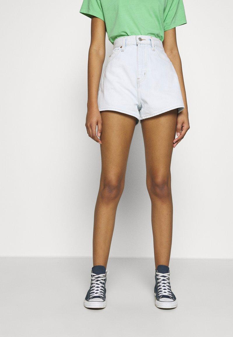 Levi's® - WIDE LEG SHORT  - Farkkushortsit - primer blue