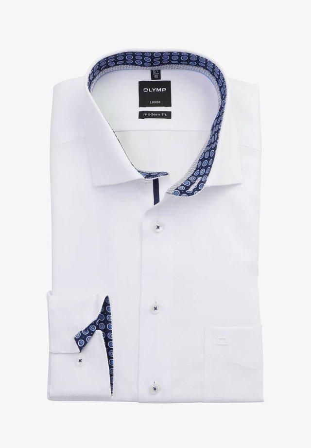 LUXOR MODERN FIT  - Shirt - weiß
