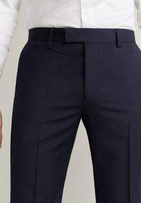 Mango - MILANO - Suit trousers - dunkles marineblau - 3