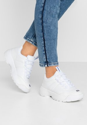 CHUNKY TRAINER - Sneakers laag - optic