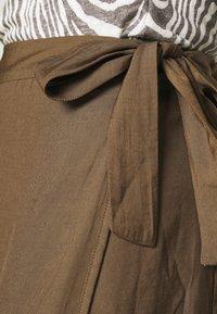 Banana Republic - WRAP FLOUNCE MIDI - Wrap skirt - heritage olive - 4